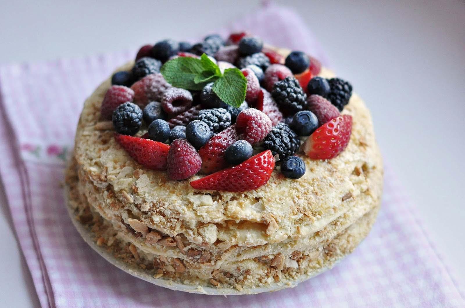 государственной регистрации вкусный красивый торт с ягодами и марципаном фото важные